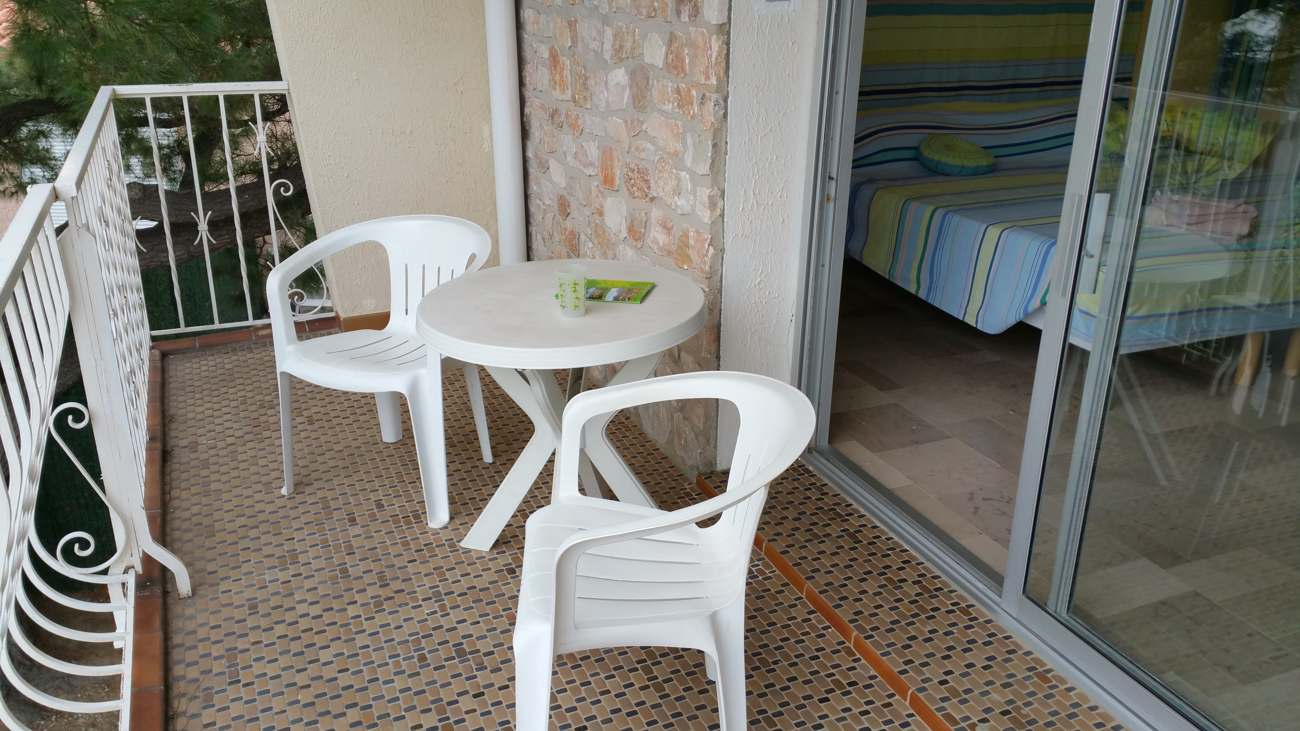 Terrasse de la chambre Neulos à Sorède proche Perpignan
