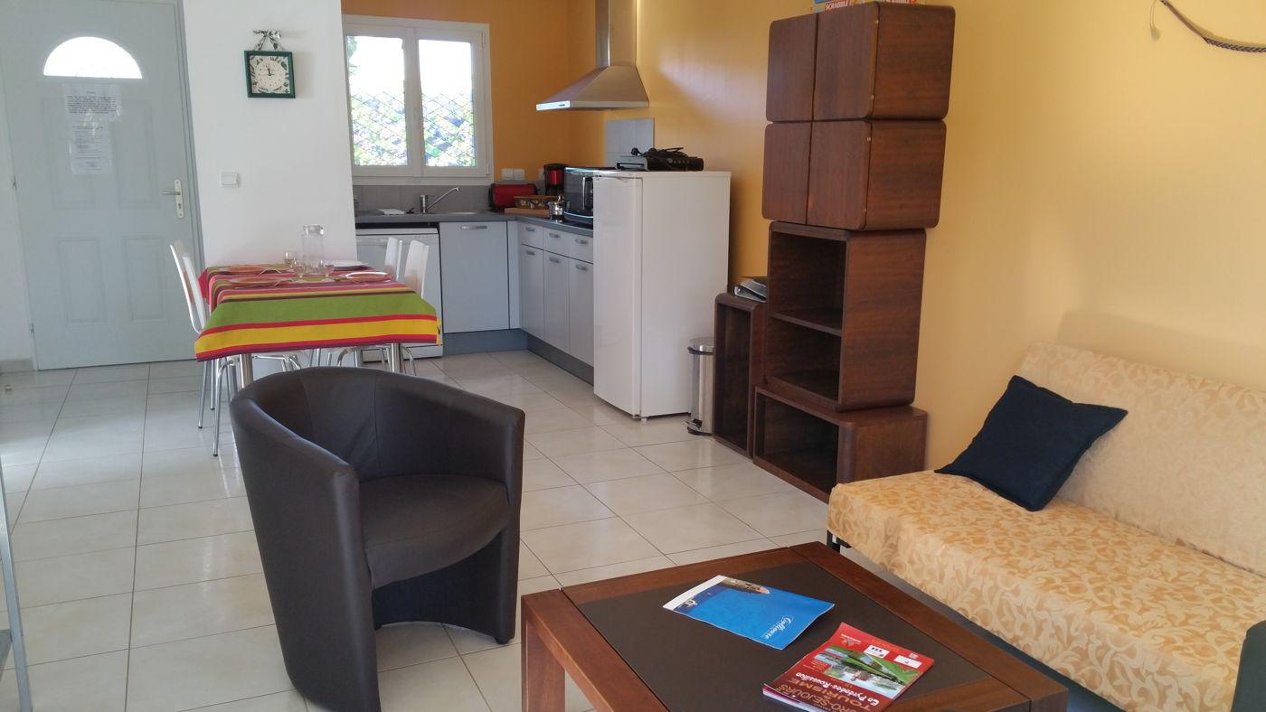 Le salon du gîte ARBOUSIER  à Sorède proche Perpignan