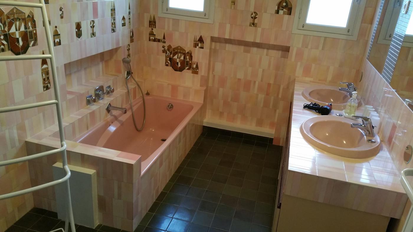 """Salle de bain du gîte Al Pati """"l'Ultrera"""" proche Collioure et Argelès sur Mer"""