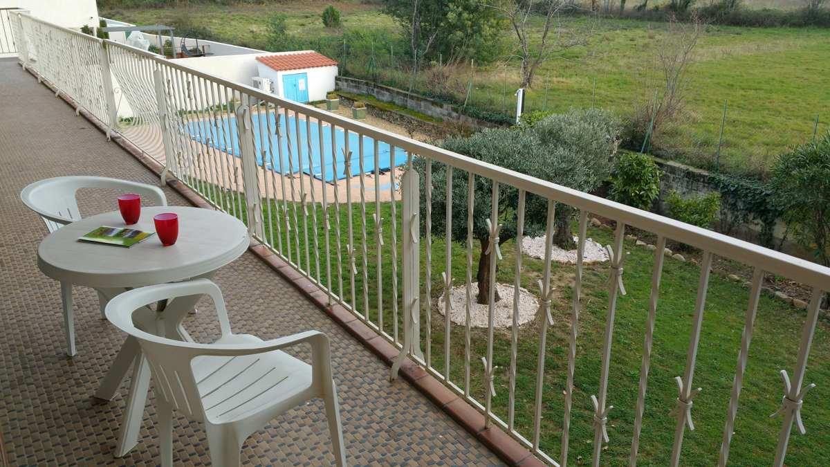Vue sur la piscine  près de Collioure et Argelès sur mer