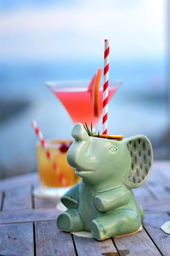 Cocktails at the rooftop bar Mr Stork at Andaz Hotel Singapore | Best Places to Visit in Singapore in 3 Days | Things to do in Singapore | via @Just1WayTicket#AndazSingapore #Andaz #singapore #SG #travel