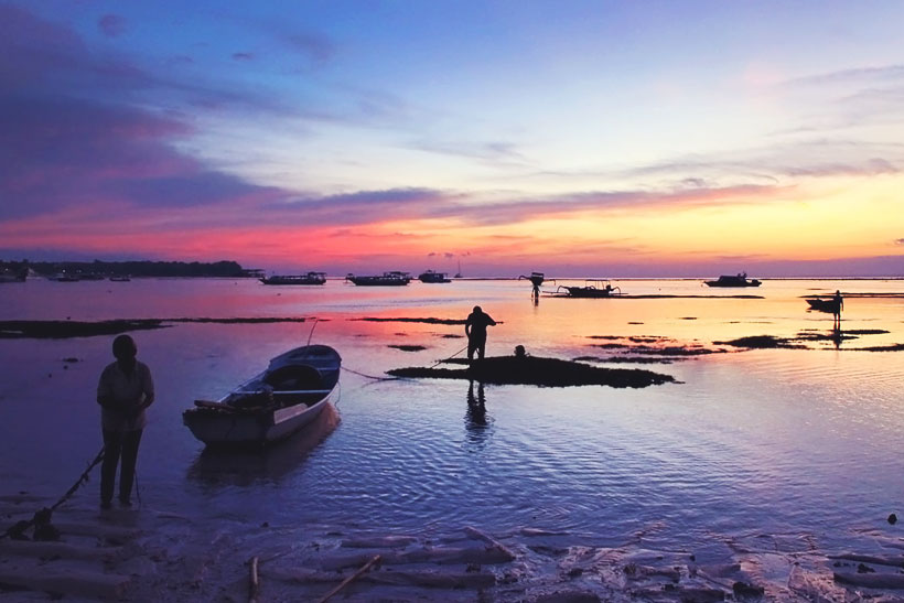 Stunningly beautiful sunsets in Bali | 10 Top Things To Do In Bali Indonesia | via @Just1WayTicket