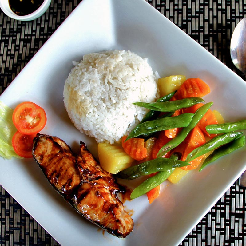The food at Kermit Surf & Dive EcoCamp in Siargao, Philippines © Sabrina Iovino | via @Just1WayTicket