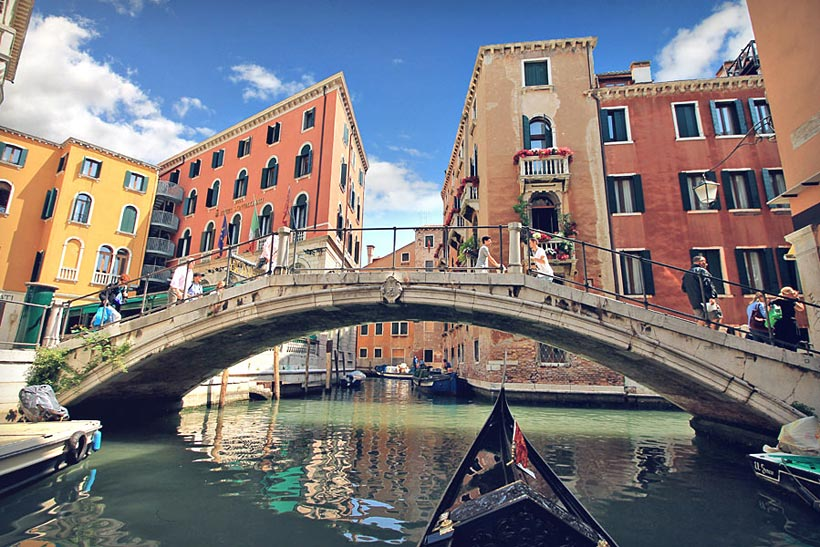 Venice | How to Travel Italy by Train - A First-Timer's Guide incl. things to do and places to stay | via @Just1WayTicket