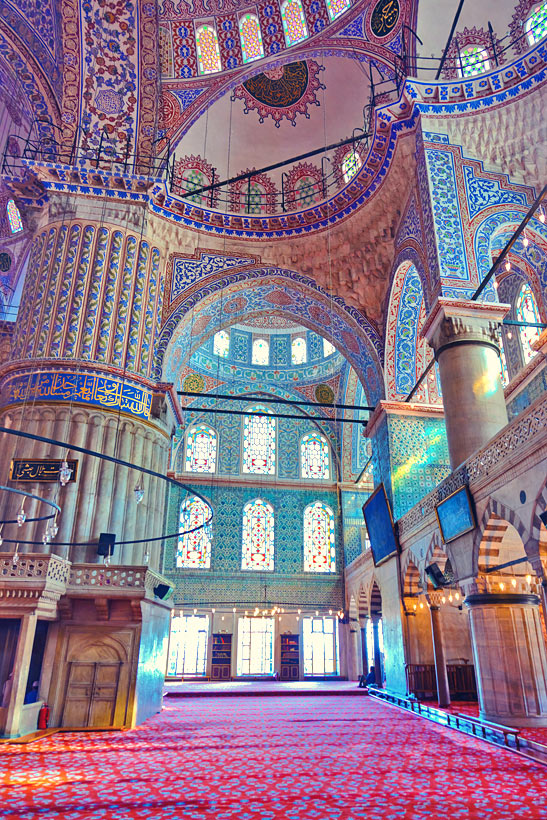 The Blue Mosque Sultanahmet | Istanbul Travel Guide - Awesome Things to do, Best Restaurants and Cool Places to Stay | via @Just1WayTicket | Photo © Violin/Depositphotos