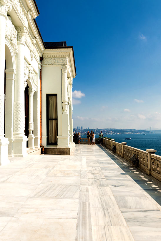 Topkapi Palace | Istanbul Travel Guide - Awesome Things to do, Best Restaurants and Cool Places to Stay | via @Just1WayTicket | Photo © valphoto/Depositphotos
