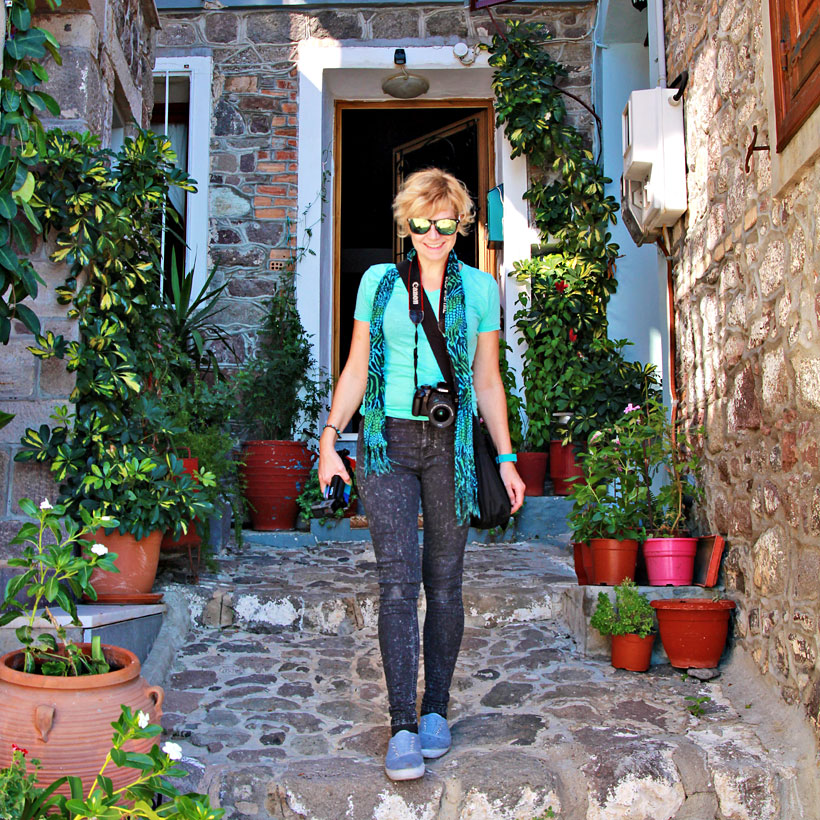 Getting lost in small alleys in Molyvos | 10 Places You Must Visit In Lesvos Island Greece | via @Just1WayTicket