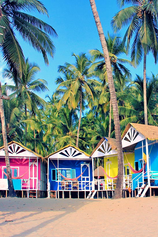 Colorful Huts in Goa | Best Places To Visit In India Plus Things To Do | via @Just1WayTicket | Photo © JustOneWayTicket