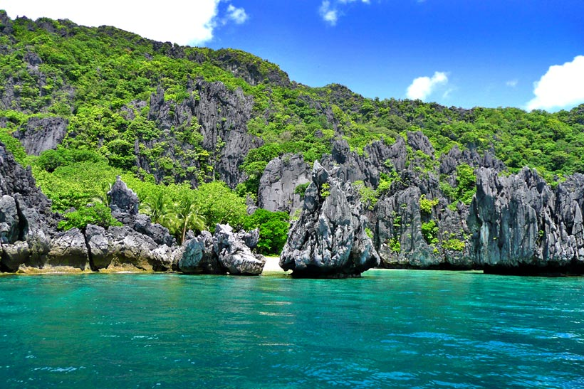 Limestones in El Nido, Palawan, Philippines © Sabrina Iovino | @Just1WayTicket