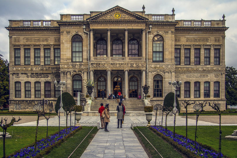 Dolmabahce Palace | Istanbul Travel Guide - Awesome Things to do, Best Restaurants and Cool Places to Stay | via @Just1WayTicket