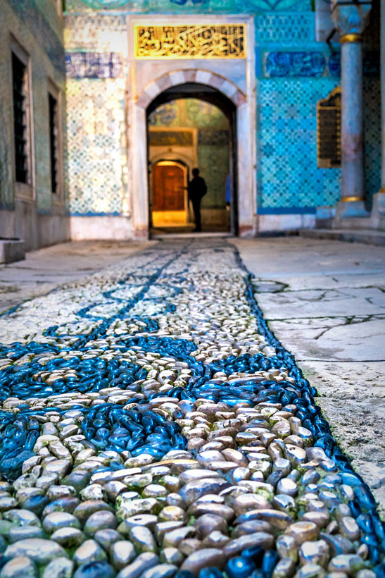 Topkapi Palace | Istanbul Travel Guide - Awesome Things to do, Best Restaurants and Cool Places to Stay | via @Just1WayTicket | Photo © sabinoparente/Depositphotos