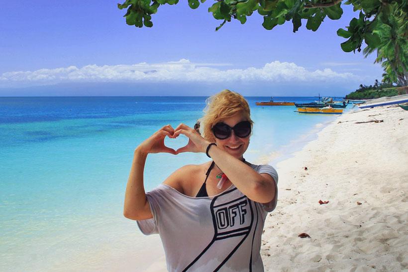 Why you should Travel Philippines | Here are 10 Reasons! | Photo taken at Paliton Beach Siquijor. Philippines © Sabrina Iovino | via @Just1WayTicket