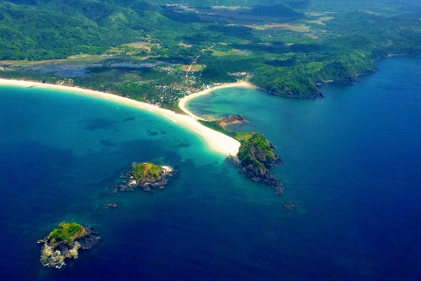 View from the airplane: Nacpan and Calitang Beach, North of El Nido, Palawan, Philippines 2013 © Tyri Kvalvik | JustOneWayTicket.com