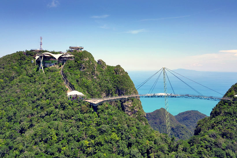 Sky Bridge and Cable Car in Langkawi Island, Malaysia - 10 Luxury and Adventurous Things to do | via @Just1WayTicket