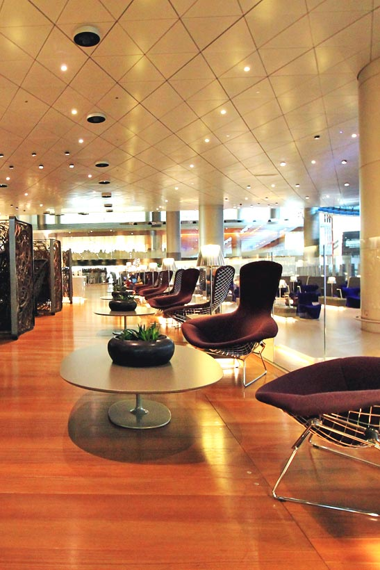 REVIEW: Qatar Airways Business Class A380 + Al Mourjan Business Lounge in Doha | via @Just1WayTicket