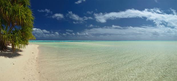 "Tapuaetai ""One Foot"" Island - Aitutaki Atoll - Cook Islands © e t d j t™ pictures / Patrick Jaussi"