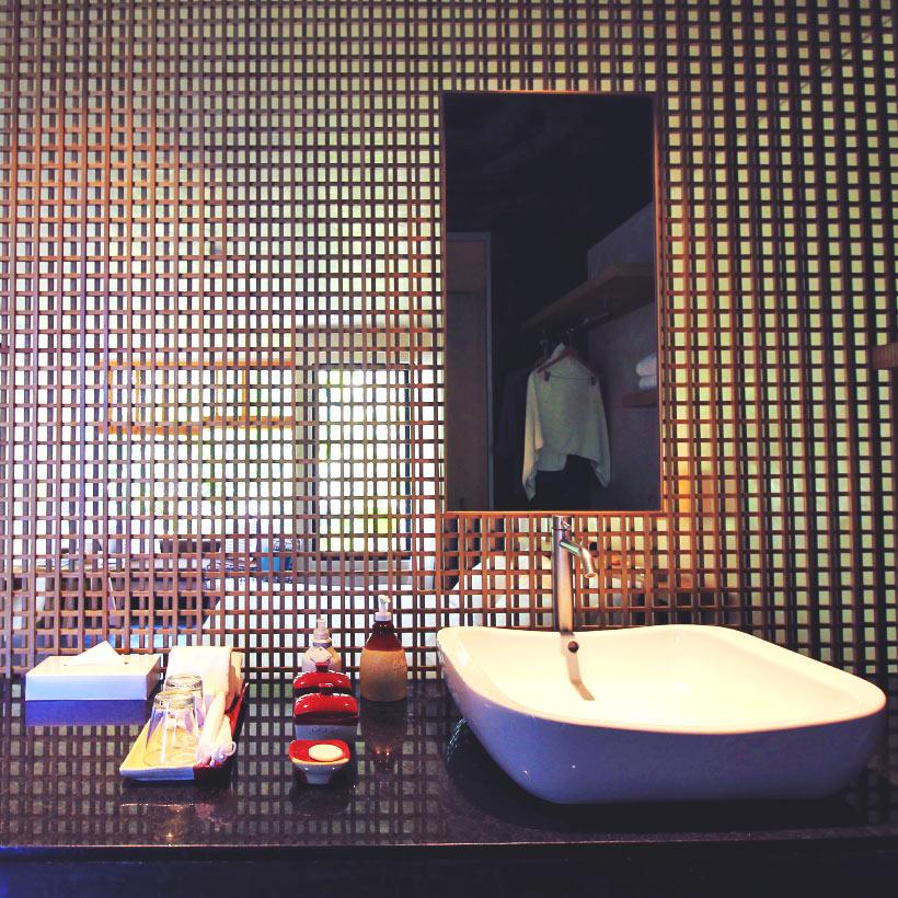 Junior Suite | Hotel Review of Amorita Resort Bohol | via @Just1WayTicket © Sabrina Iovino