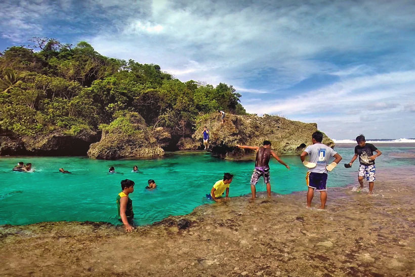 Magpupungko Pool in Pilar, Siargao, Philippines © Sabrina Iovino | via @Just1WayTicket
