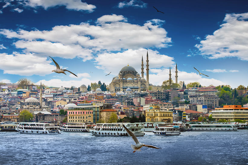 Istanbul Travel Guide - Awesome Things to do, Best Restaurants and Cool Places to Stay | via @Just1WayTicket