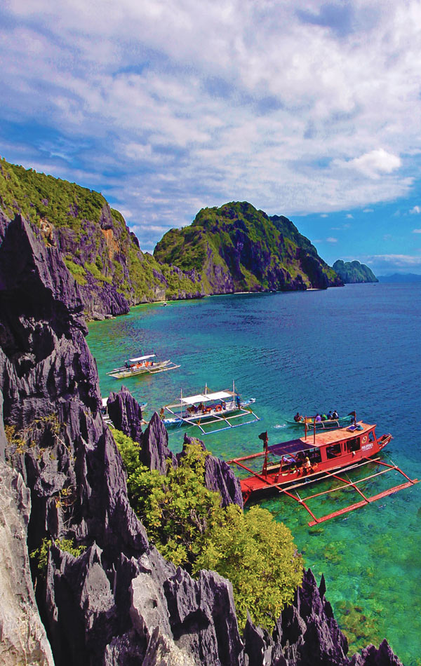 Why you should travel to the Philippines | Photo: Matinloc Shrine, El Nido, Palawan, Philippines © Sabrina Iovino