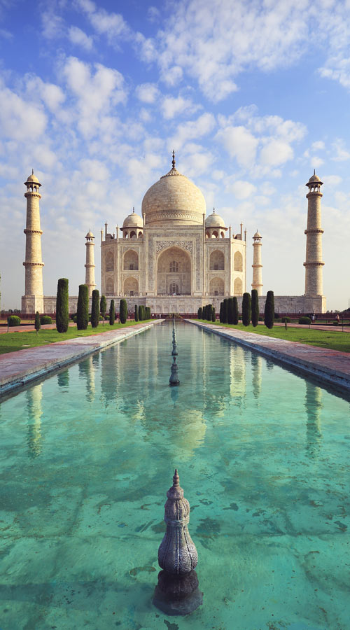 Taj Mahal Agra | Best Places To Visit In India Plus Things To Do | via @Just1WayTicket | Photo © dtemps/Depositphotos