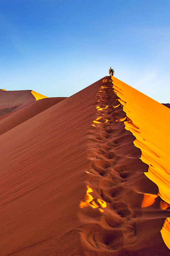 Sossusvlei | Travel Guide To Namibia - Things To Do And Places To Stay | via @Just1WayTicket
