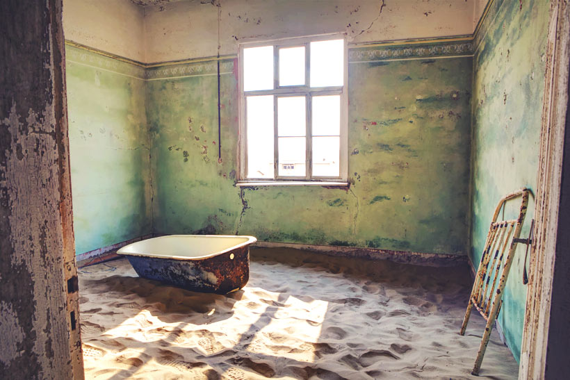 Kolmanskop | Travel Guide To Namibia - Things To Do And Places To Stay | via @Just1WayTicket