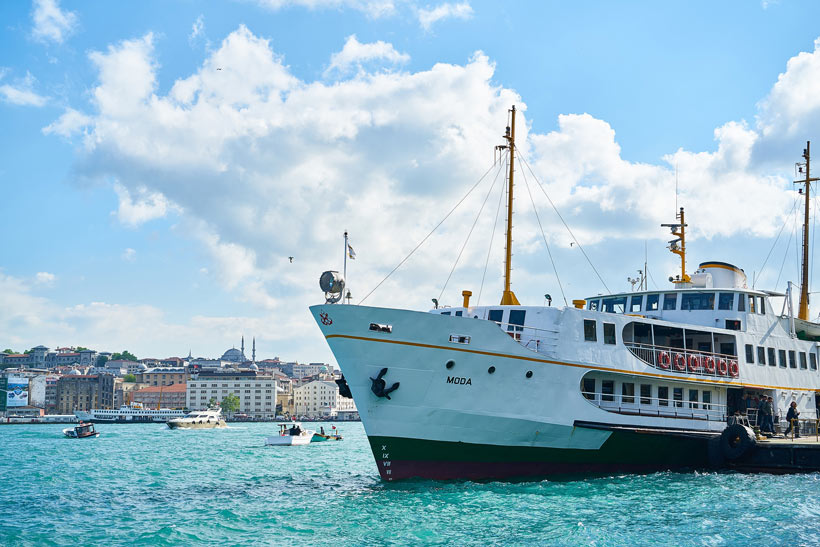 Bosphorus Ferry Ride | Istanbul Travel Guide - Awesome Things to do, Best Restaurants and Cool Places to Stay | via @Just1WayTicket