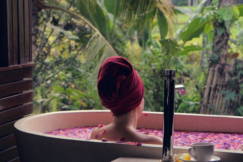Flower Bath after Massage in Ubud | 10 Awesome Things to do in Ubud, Bali | Travel Guide to Ubud