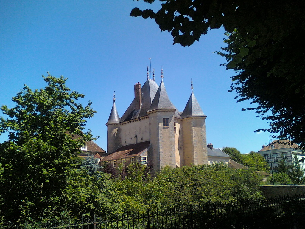 The Joigny Gate in Villeneuve-sur-Yonne