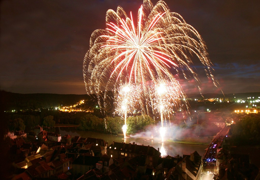 Firework of Villeneuve sur Yonne (august 14th)
