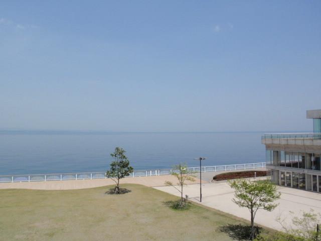水族館から見える海。とても綺麗です。