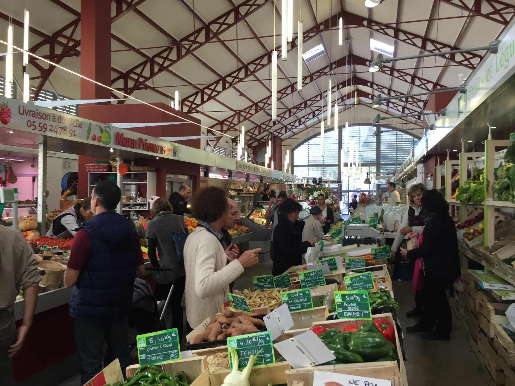 Marché de Biarritz, le plaisir de choisir ses produits...