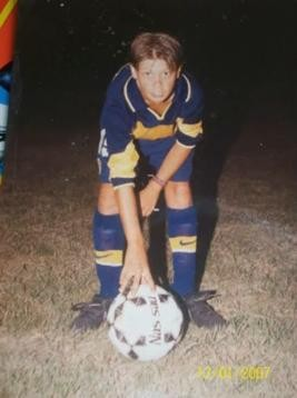 Iniciando sus pasos futbolistico en Boca