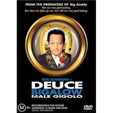 Deuce Bigalow : MALE GIGOLO (GIGOLO A TOUT PRIX) de Mike Mitchell • Touchstone - 1999 – USA • Studio de doublage : Franc-jeu • Direction artistique : Julien Kramer
