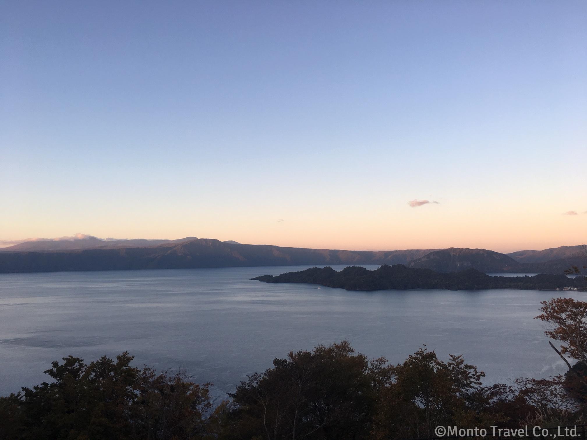 十和田湖の夕景