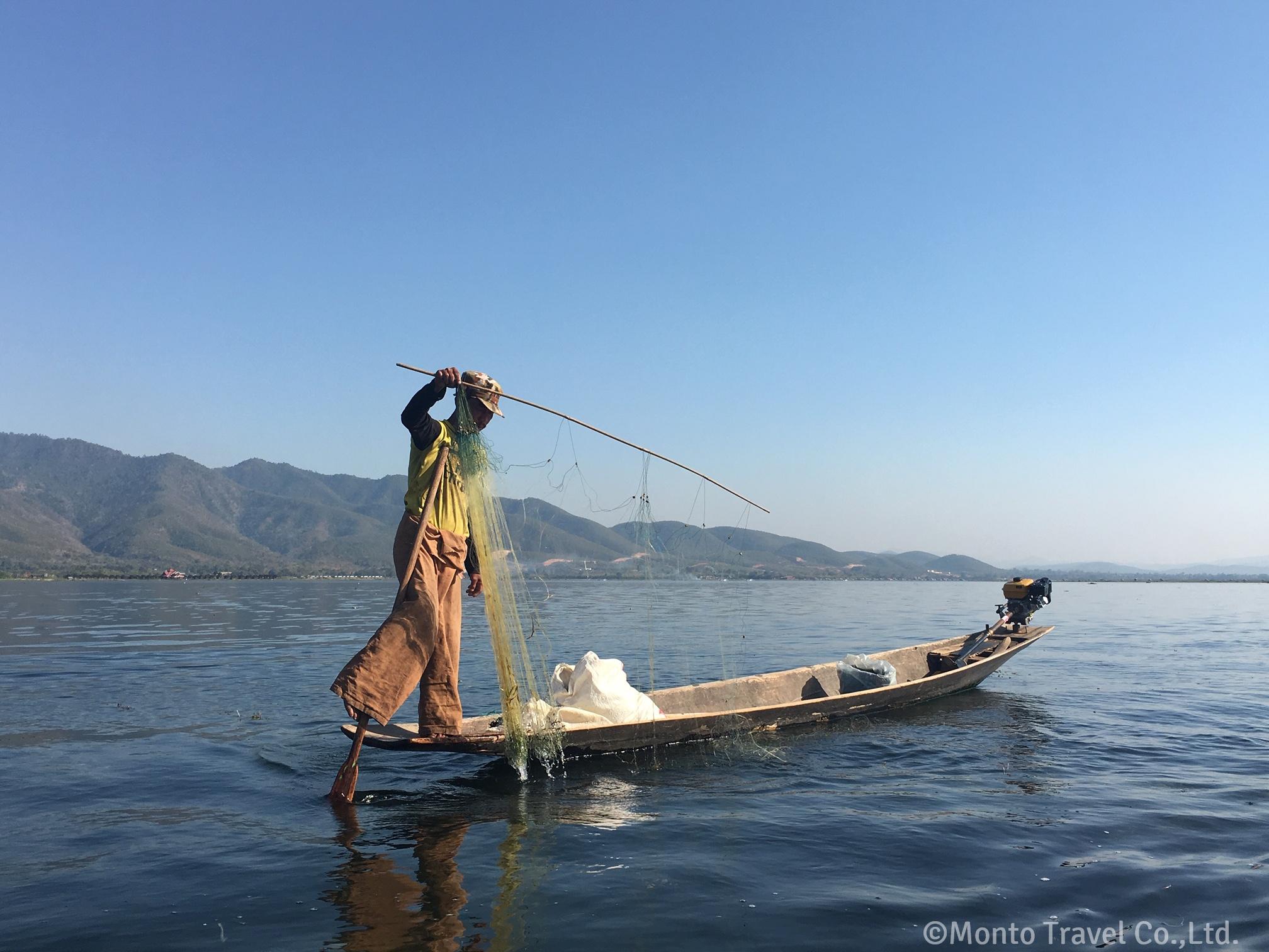 インレー湖 片足漕ぎ漁