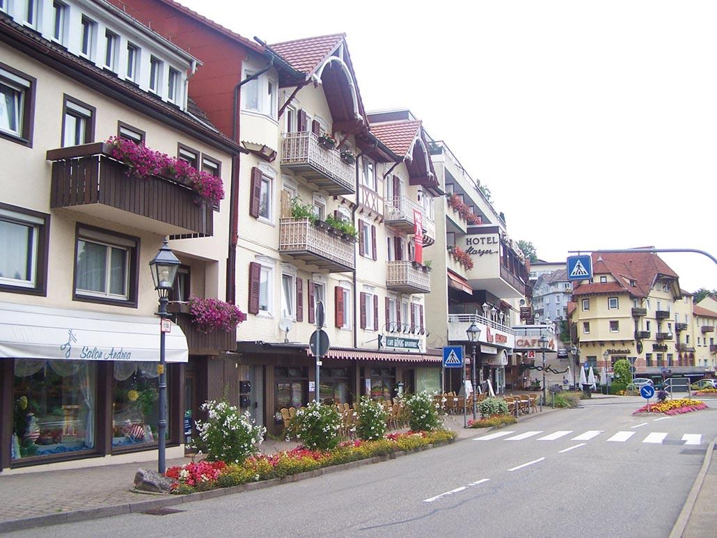 Anfang Gernsbacher Straße