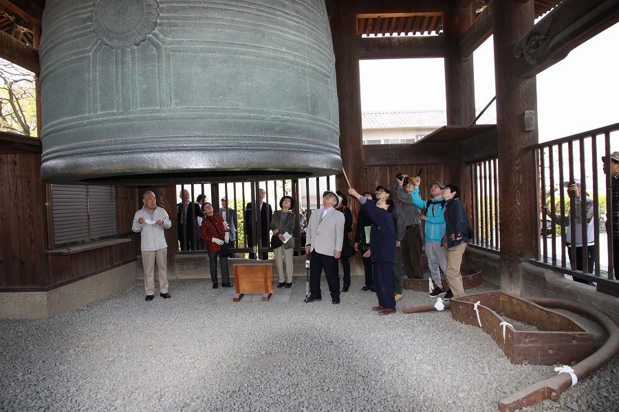 「国家安康 君臣豊楽」の鐘銘で有名な方広寺の鐘