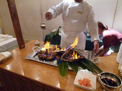富山南RCが持ち込んだ寒ブリを例会場で調理