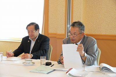 美馬ガバナーと十川敬地区代表幹事(随行)