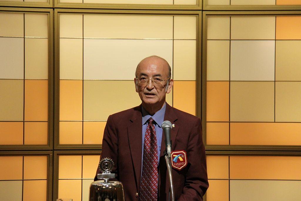 亀井ガバナーが、公式訪問スピーチ