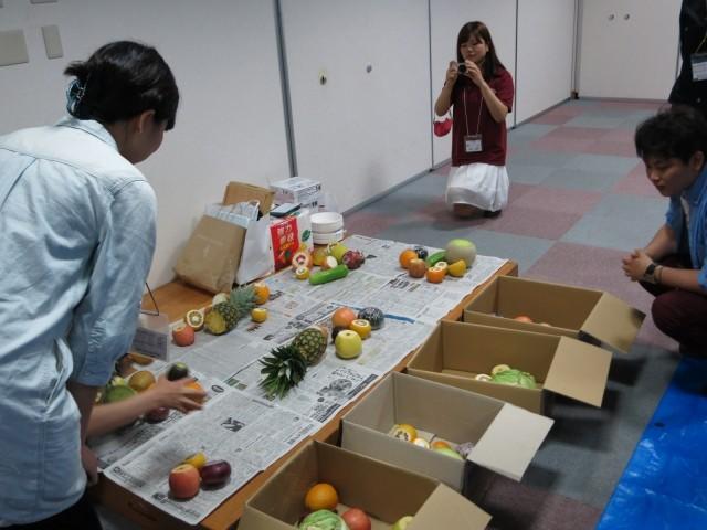 野菜・果物の中身をくり抜く