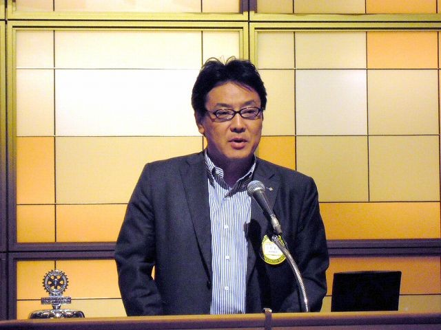 新世代奉仕・ローターアクト委員会の小野兼資委員長