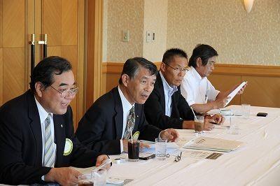 篠田幹事・会長・秋山副幹事・十川SAA