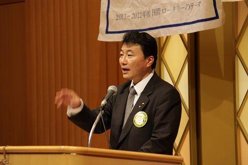 鎌田親睦委員長の家族親睦会のプログラム紹介でスタート