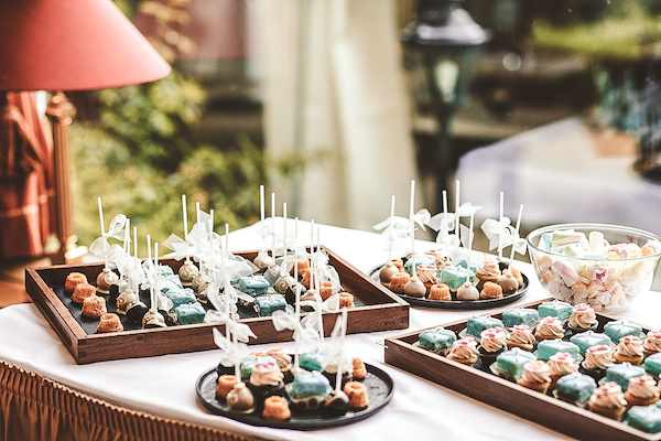 Petitfours-Hochzeitsbueffet-Villa-Rothschild