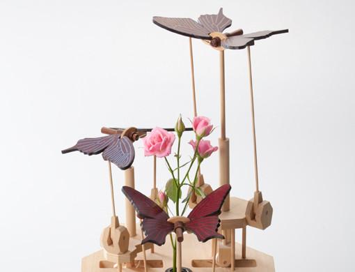 黒揚羽蝶+花