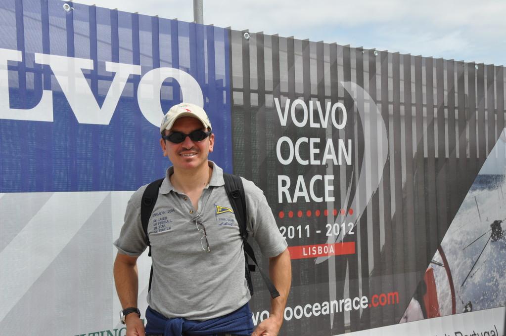 l'Impostore tenta di penetrare nell'area riservata della Volvo Ocean Race