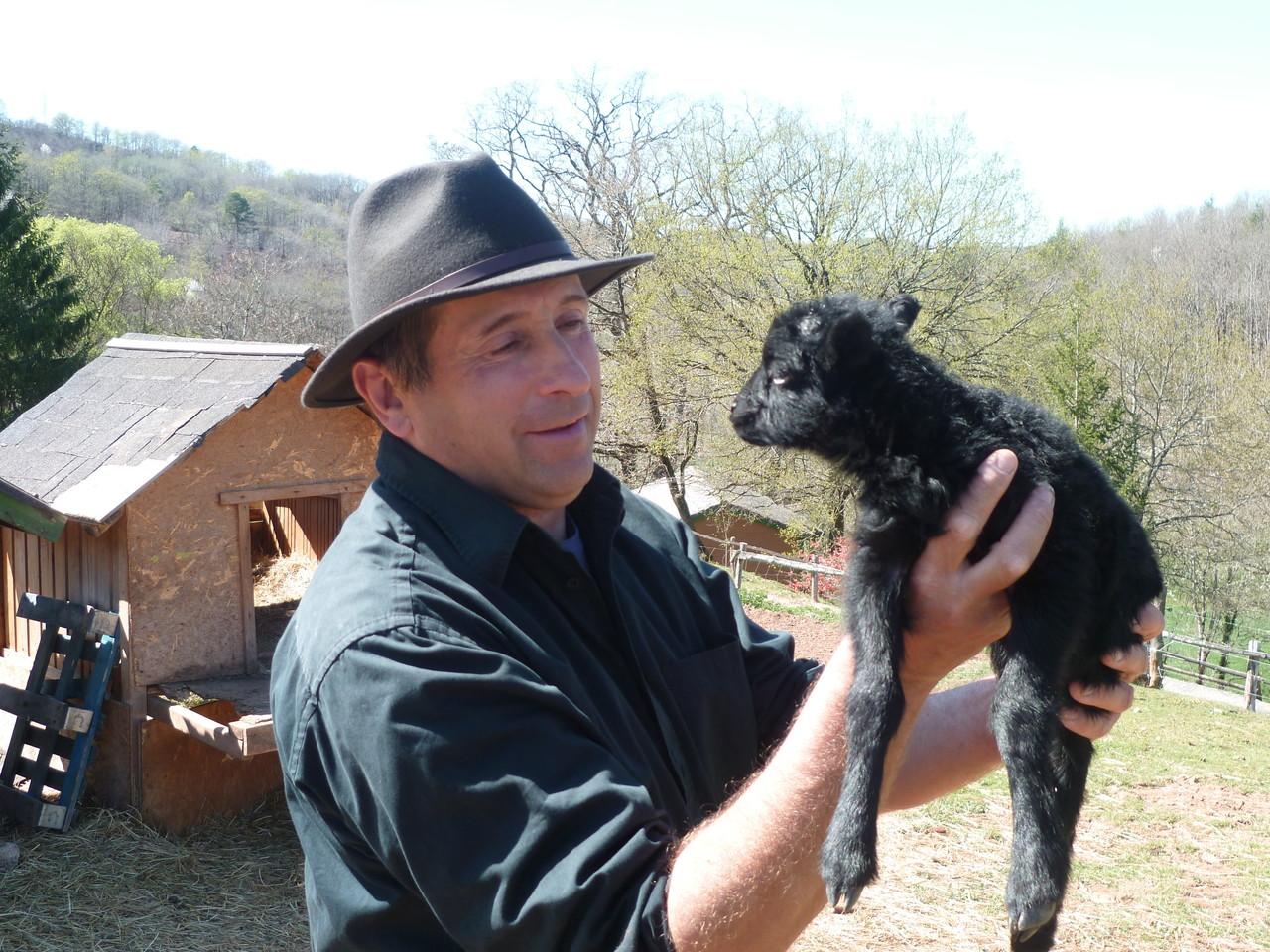 Jean-Marc et le petit agneau
